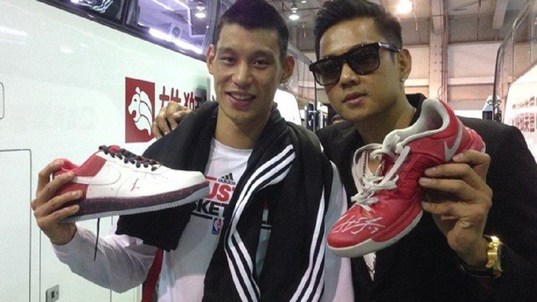 陳建州2013年捐出林書豪球鞋給唐氏症基金會作公益拍賣,嚴凱泰以77萬7777元...