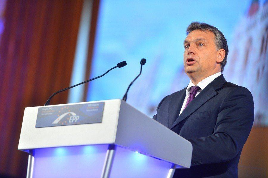 匈牙利總理歐班將大學驅逐出境,外界批評歐班的威權政府正在打壓匈牙利學術自由。(p...