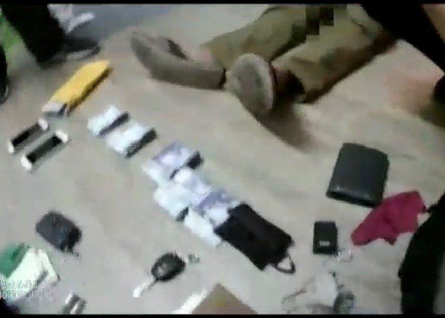 現場查獲製造第三級毒品K他命的製毒器具及新台幣42萬餘元等物。記者張媛榆/翻攝