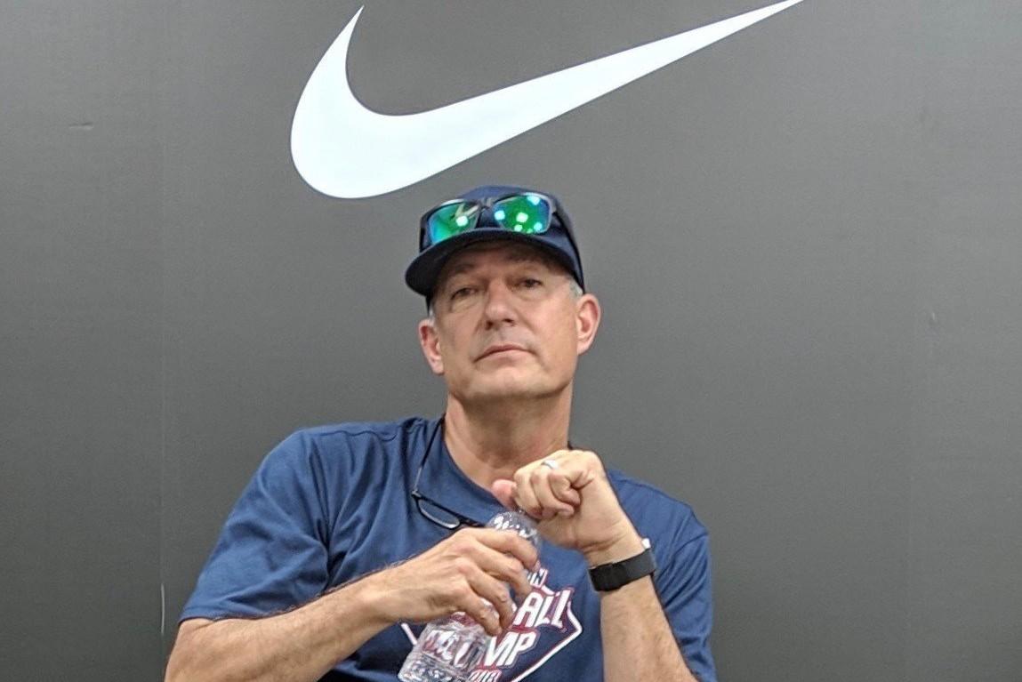 Nike臺灣青棒菁英訓練營開幕,投手教練多情(Dave Turgeon)與媒體分...