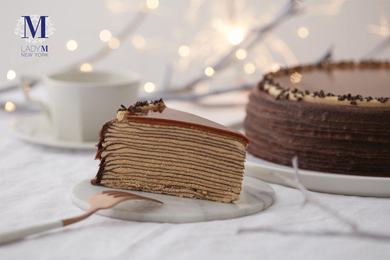 海鹽焦糖千層蛋糕單片280元,9吋2,800元。圖/Lady M提供