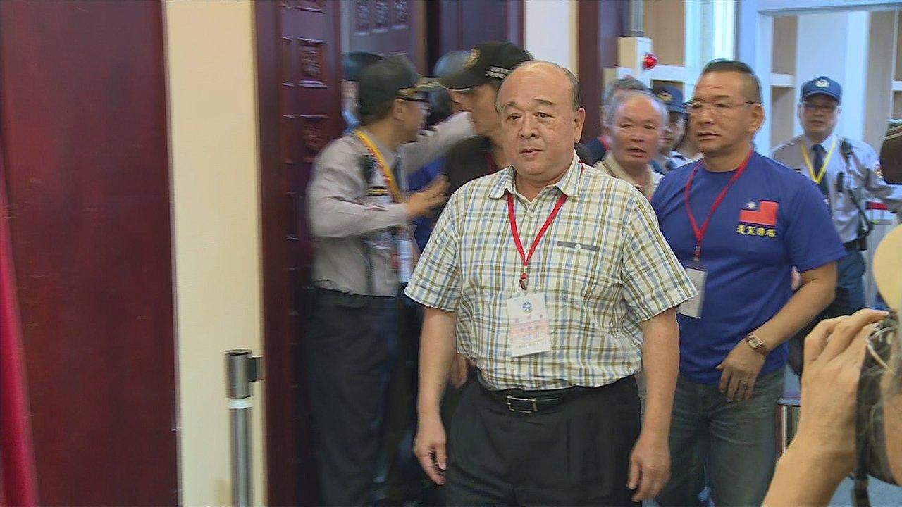 司法院憲法法庭舉行軍改釋憲說明會,八百壯士代表吳斯懷出席旁聽。攝影/記者任忠泰