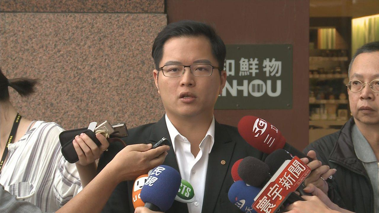 被視為友柯議員的王威中,表態有意爭取立委補選席次。記者顏凱勗/攝影