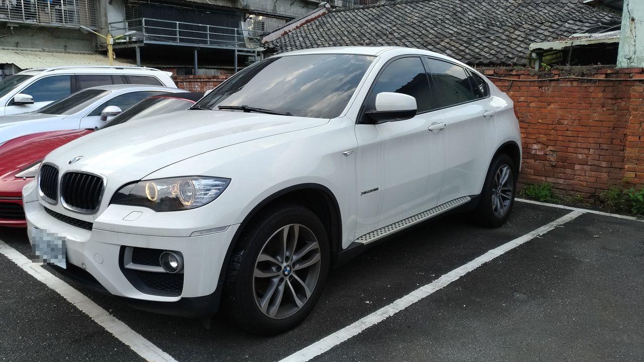 BMW X6休旅車則無人出價流標。圖/行政執行署新北分署提供