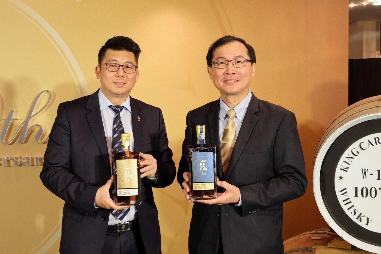 金車噶瑪蘭威士忌4日舉行10周年記者會,總經理李玉鼎(右)認為,未來10年,噶瑪...