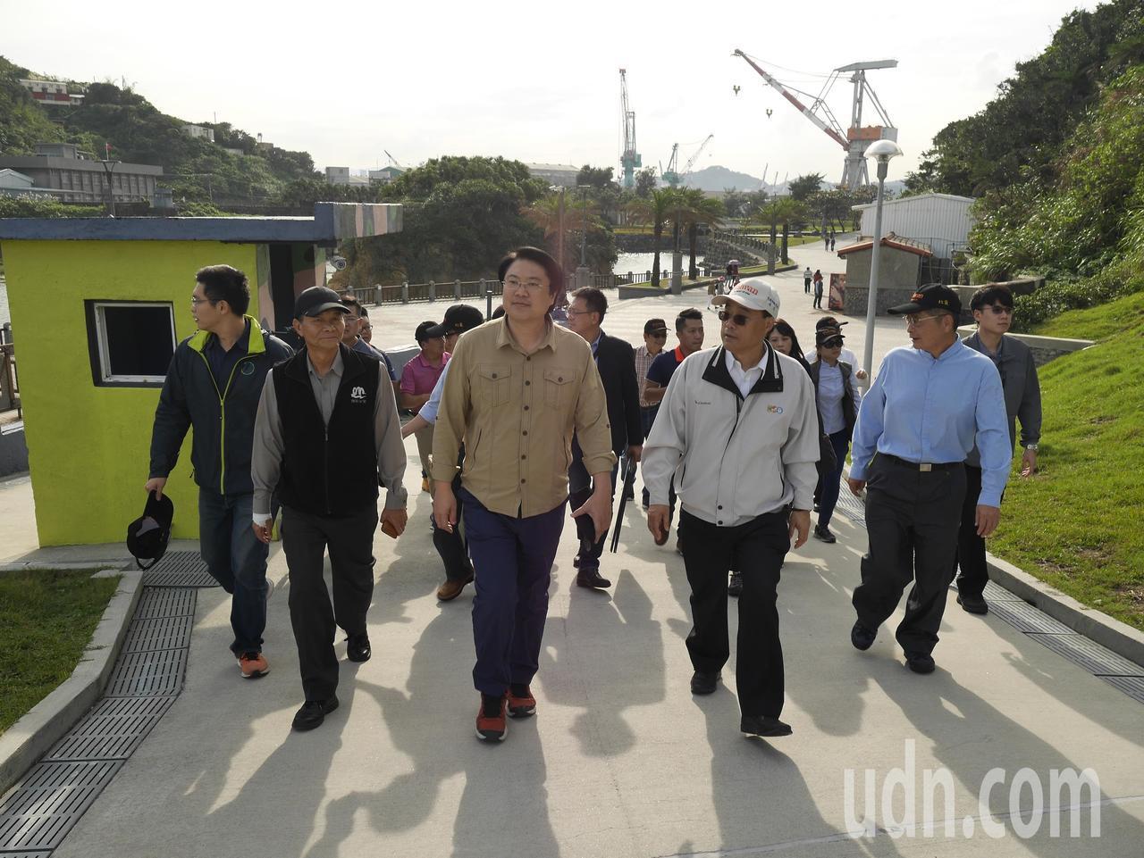 民進黨代理主席林右昌,今天受訪表示,民進黨兩度成為執政黨,人民不欠民進黨,這次選...