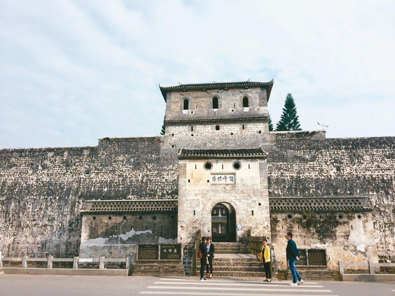 百年歷史的寨堡:雙峰寨。 記者汪莉絹/攝影