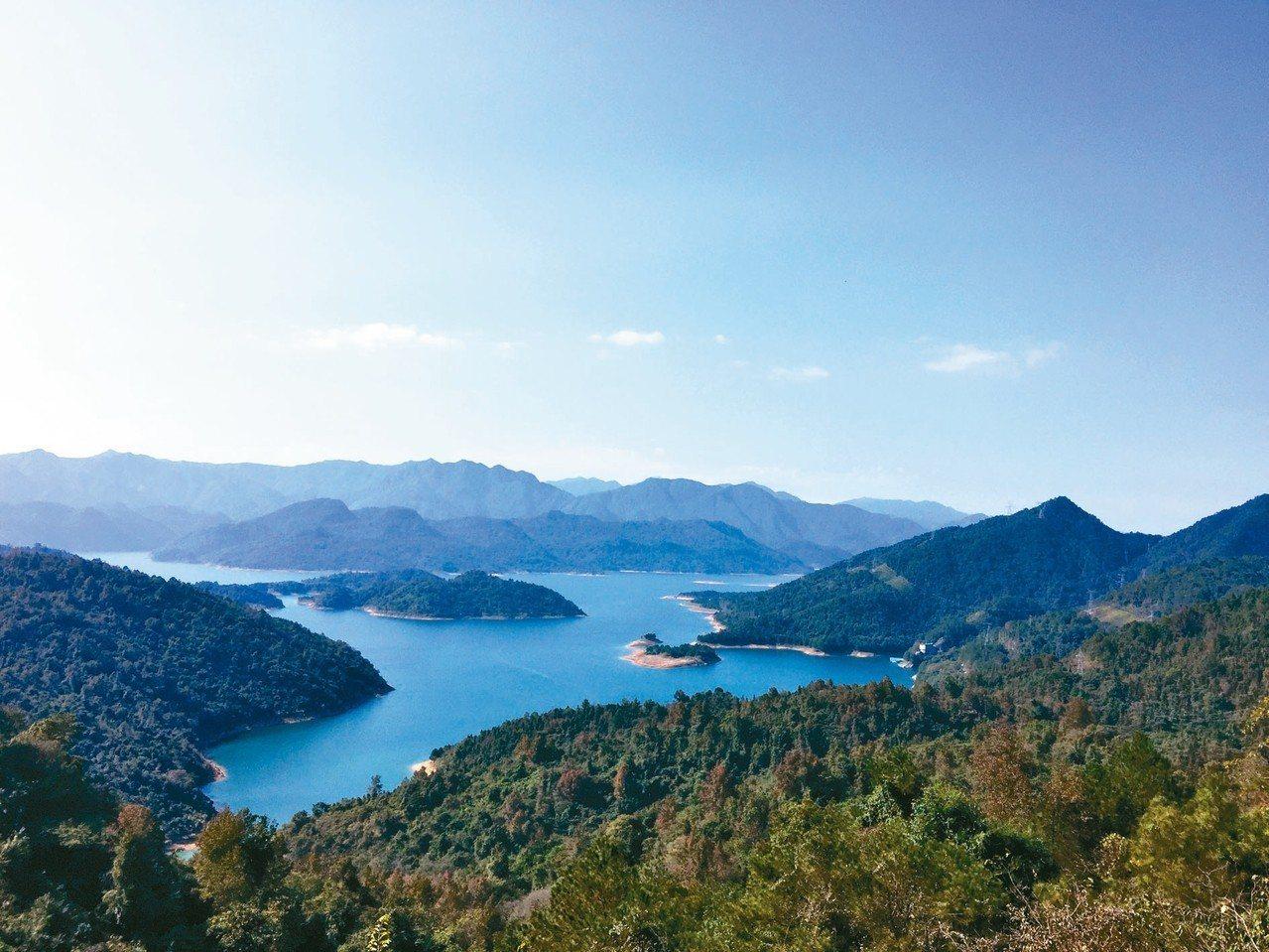 南水湖,湖光山色,美不勝收。 記者汪莉絹/攝影