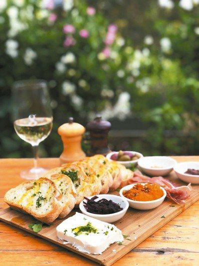 Green Olive強調餐桌上幾乎所有的食材都是從自己農場來的。 ※ 提醒...