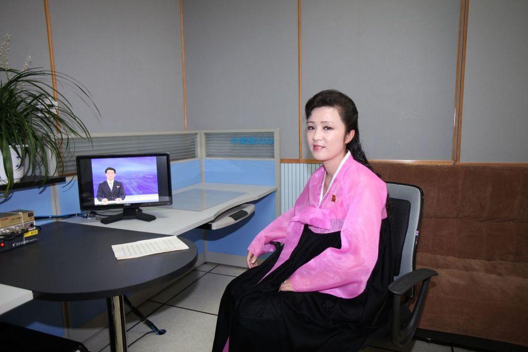 自金正恩上台後,KCTV開始啟用年輕女主播。 (新華社)