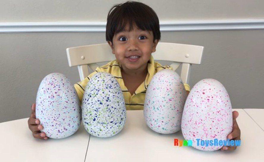 7歲網紅萊恩(Ryan)擔任主角的玩具評鑑頻道「萊恩玩具評論」(Ryan Toy...