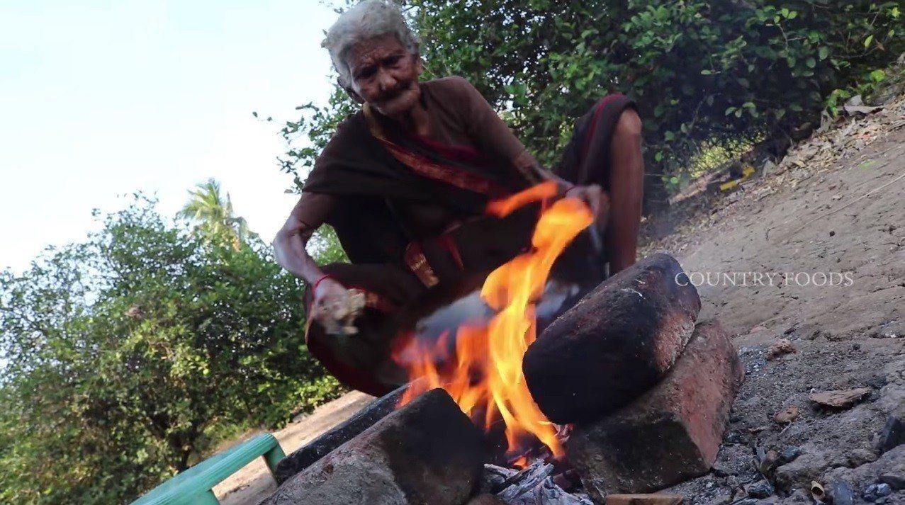 展現印度佳餚廚藝而走紅全球的印度107歲老奶奶馬斯坦娜瑪,她的曾孫昨天上傳馬斯坦...