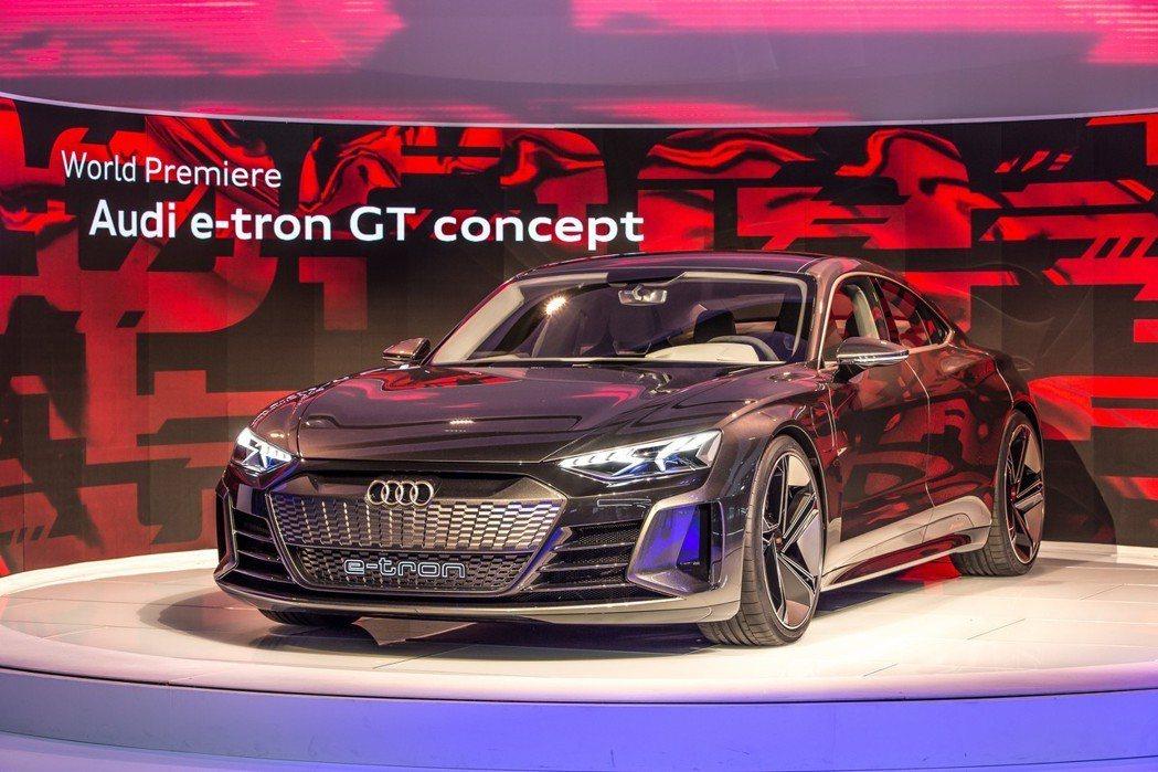 Audi e-tron GT Concept降臨2018年的洛杉磯車展。 摘自A...