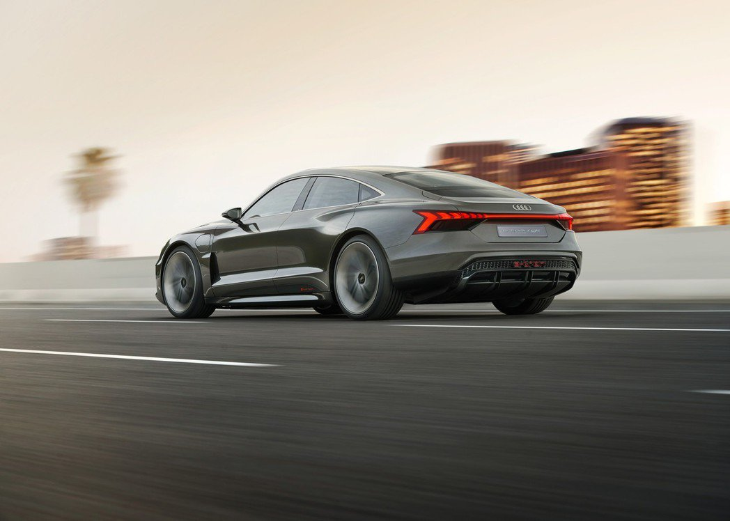 Audi e-tron GT Concept將在2020年量產上市。 摘自Aud...