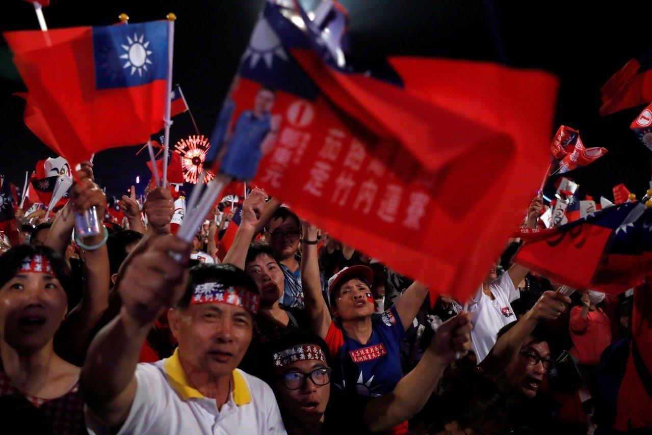 台灣近年由於政黨對立、經濟衰退、新媒體崛起也逐漸出現民粹政治與虛無主義的特質。 ...