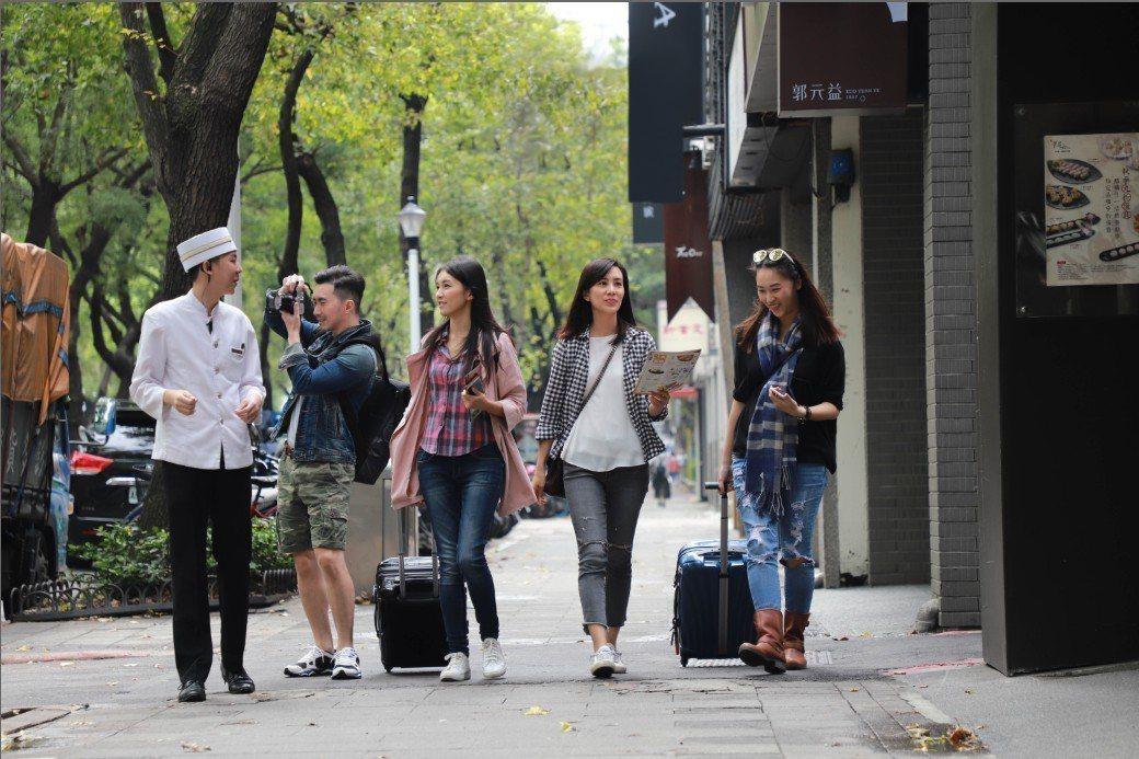 「跟拍管家Photo Butler」是晶華酒店盡力滿足旅客需求的最新服務。