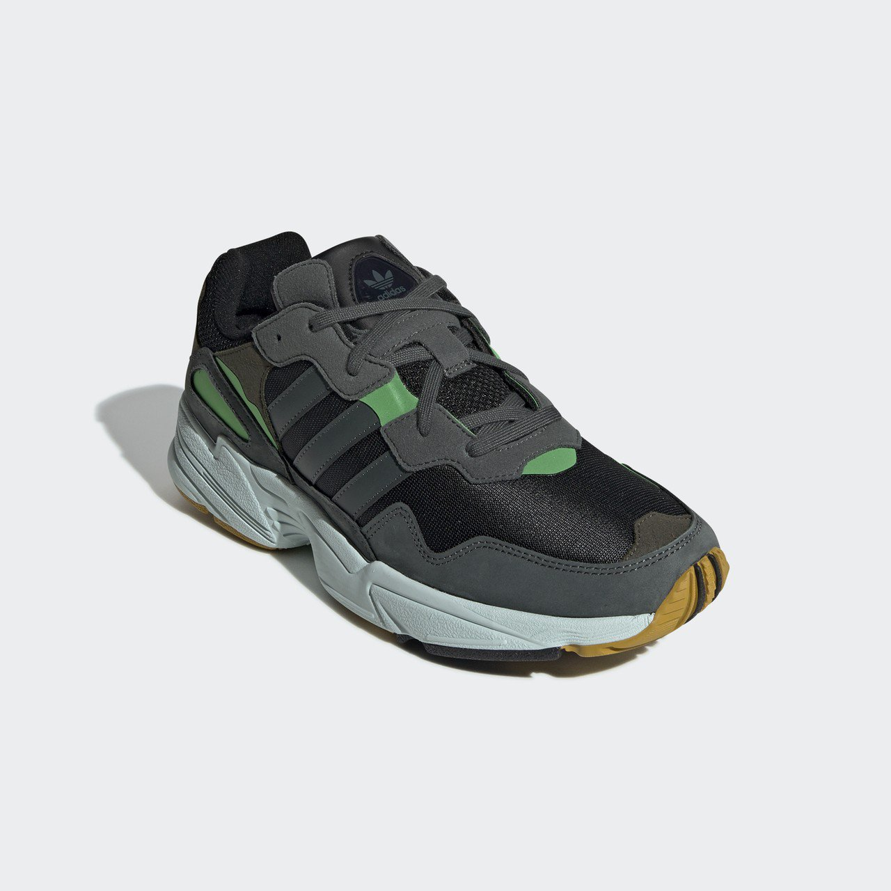 adidas Originals YUNG-96系列復古鞋,3,690元。圖/a...