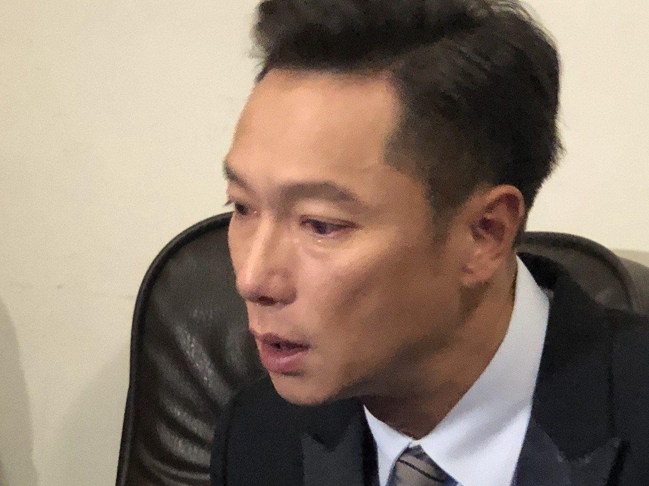 藝人謝祖武近日在本土偶像劇中飾演一位事業有成,卻罹患失智的中年父親。 記者劉嘉...