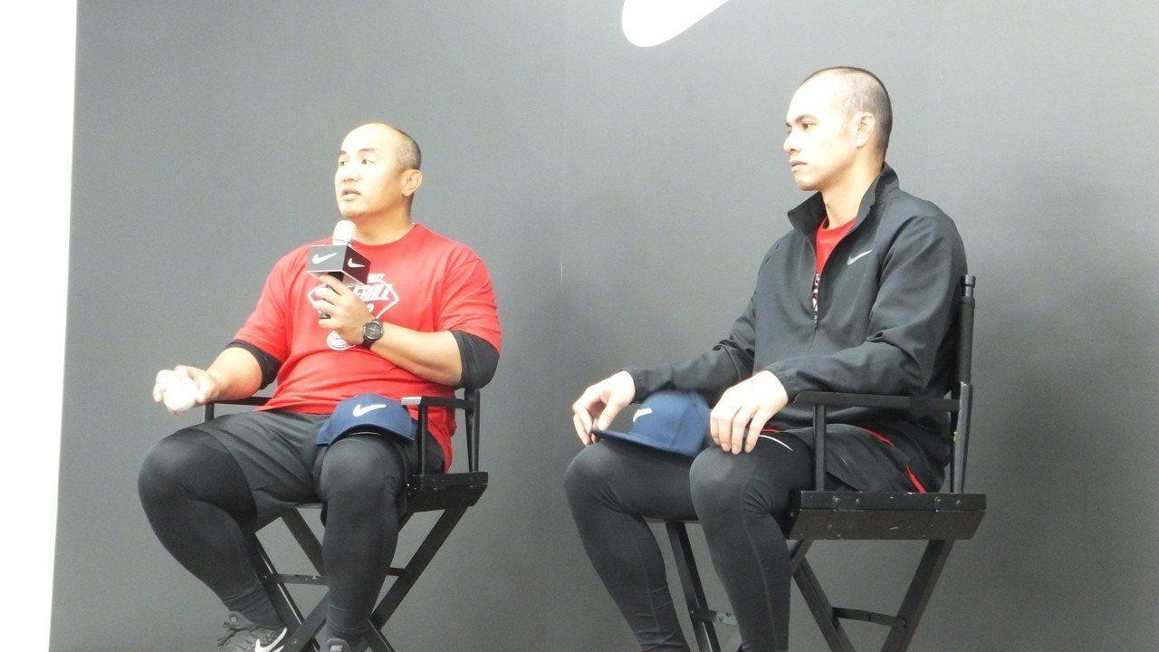 中職退役老將張泰山(左)認為,企業不想加入職棒,聯盟要好好探討原因。記者藍宗標/...