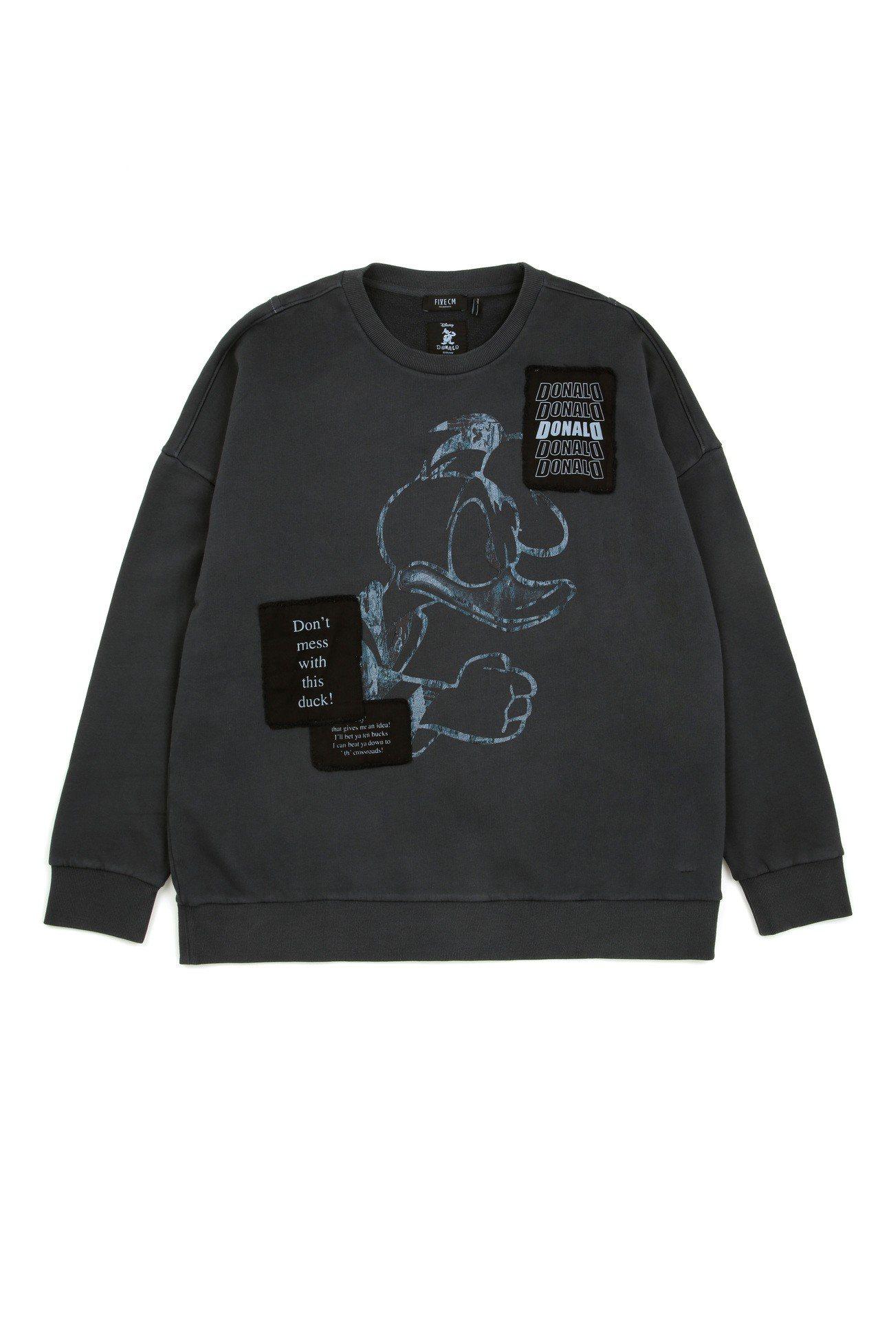 5cm與唐老鴨聯名系列圓領衫,3,429元。圖/I.T提供