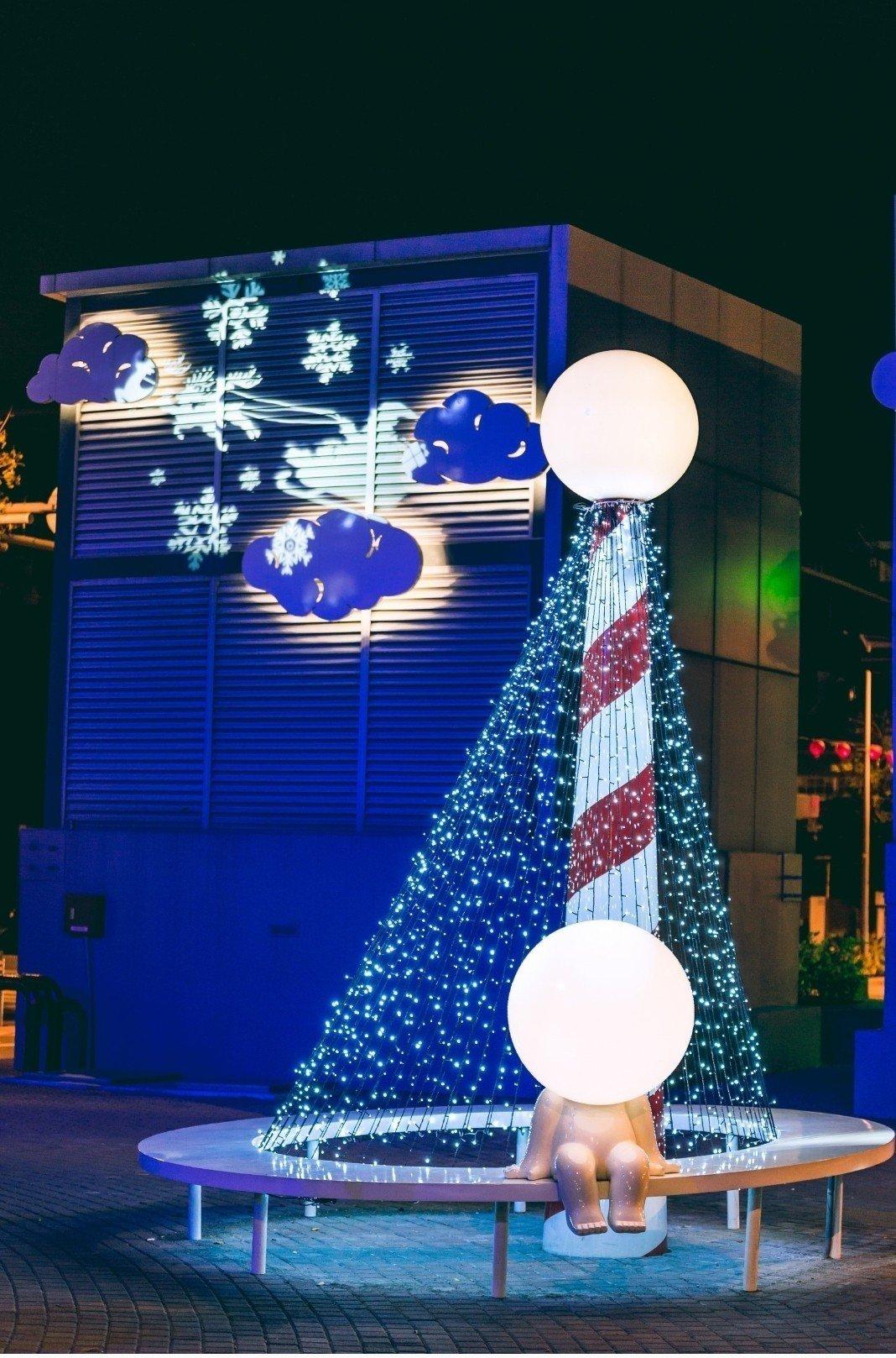 台南市海安路街道美術館聖誕節又有新的創意。圖/都市藝術工作室提供