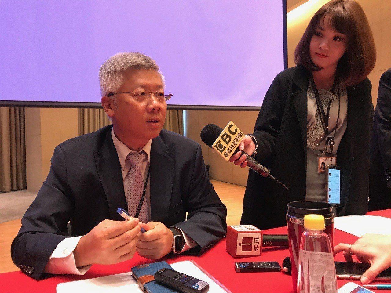 台新金(2887)今(11)日舉行法說,總經理林維俊表示如果政府希望台新金退出,...
