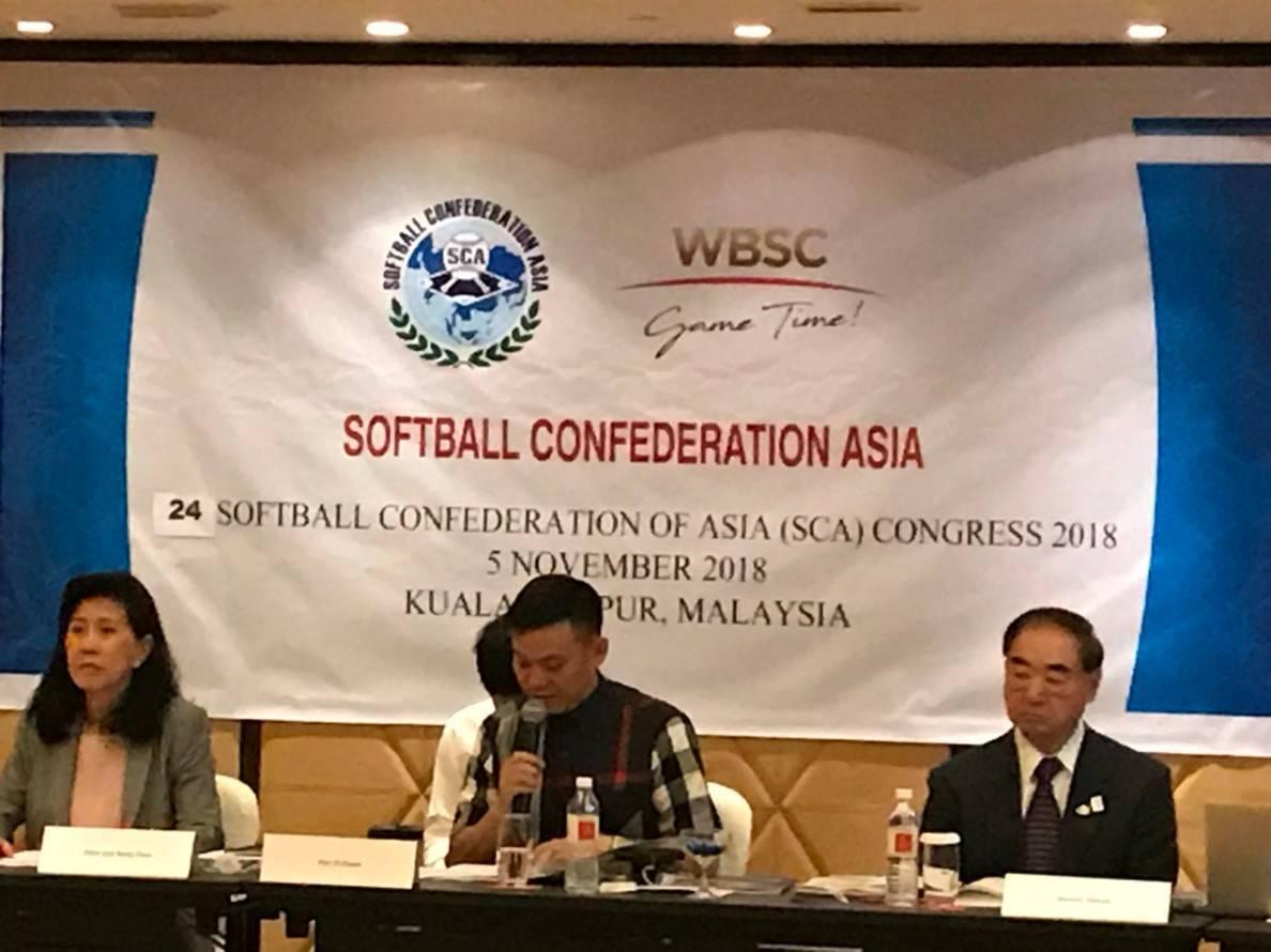 潘一全(中)將全力爭取2024年巴黎奧運持續壘球項目。圖/中華壘球協會提供