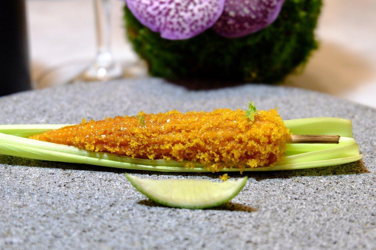 「墨西哥烤玉米」賦予墨西哥街頭經常可見的小吃「烤玉米(Elote)」全新靈魂,撒...