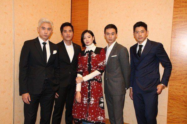 陳泂江(左起)、藍正龍、沈琳宸、劉冠廷、陳羅密歐將合作「你那邊怎樣/我這邊OK」
