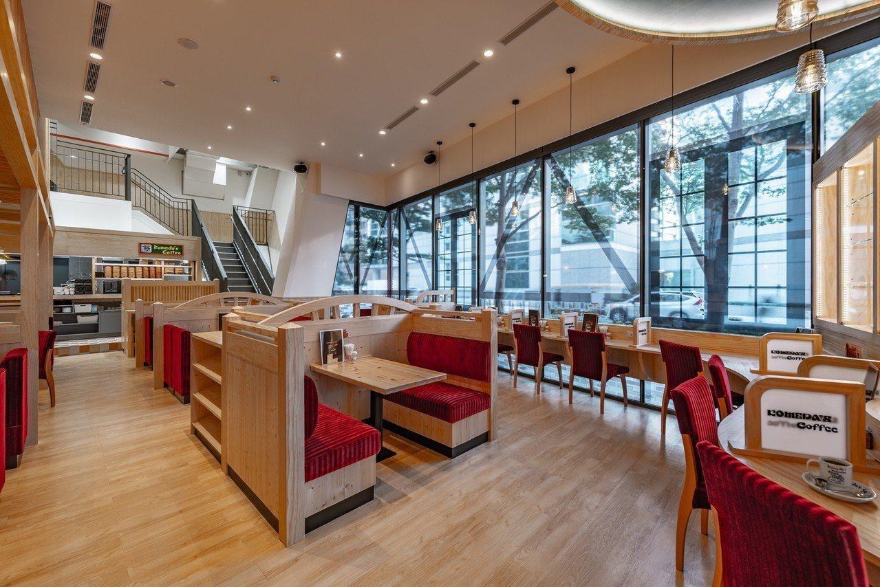 客美多西湖店擁有大片落地窗,以及鄉村風的用餐環境。圖/客美多提供