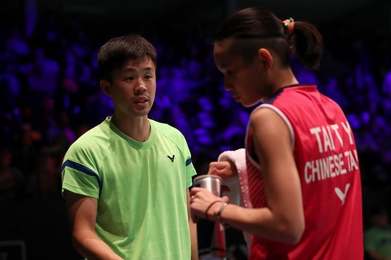 戴資穎專屬教練賴建誠(左)從陪練員到獲聘為中華羽球隊新任總教練,勵志故事寫下台灣...