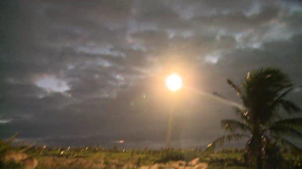 三仙台風景區海岸發射飛彈,轟隆巨響劃破天空。 圖/劉姓民眾提供