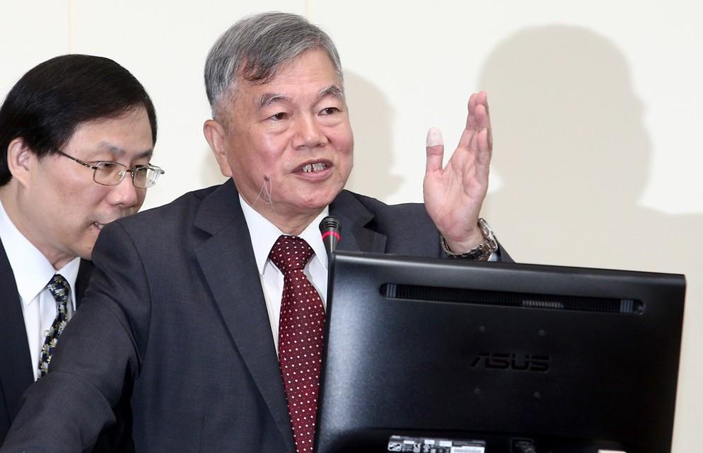 經濟部長沈榮津(右)。 聯合報系資料照/記者蘇健忠攝影