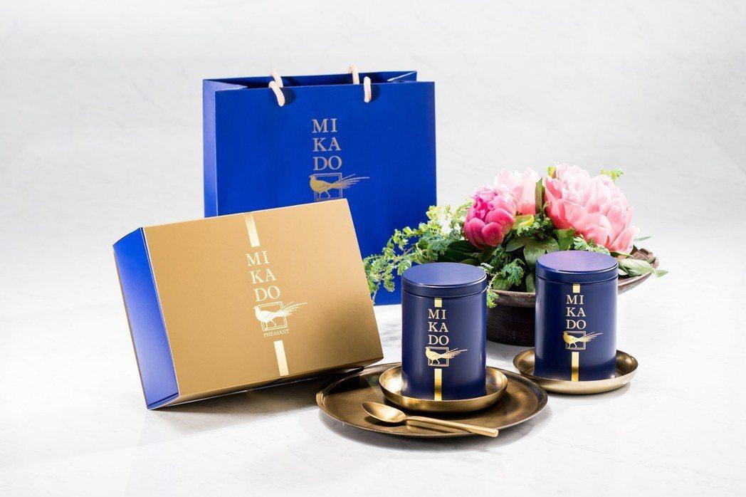 帝鐸針對台灣不同茶區名師所製作的茶葉,開發一系列高品質的茶葉禮盒。 圖/帝鐸提供