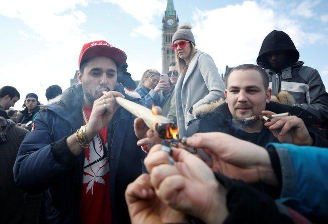 休閒用大麻合法成風潮,伊州及明州州長當選人陸續公開表支持。