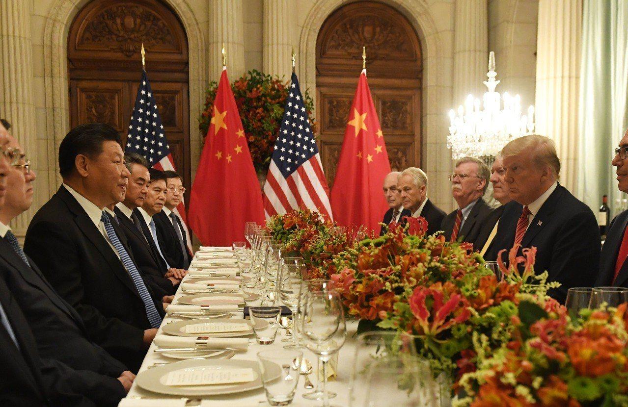 中國大陸國家主席習近平與美國總統川普於20國集團高峰會(G20)會談。法新社