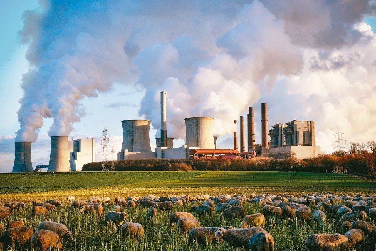 2018年的全球二氧化碳排放估計上升2.7%,圖為德國貝格海姆市的燃煤發電廠。 ...
