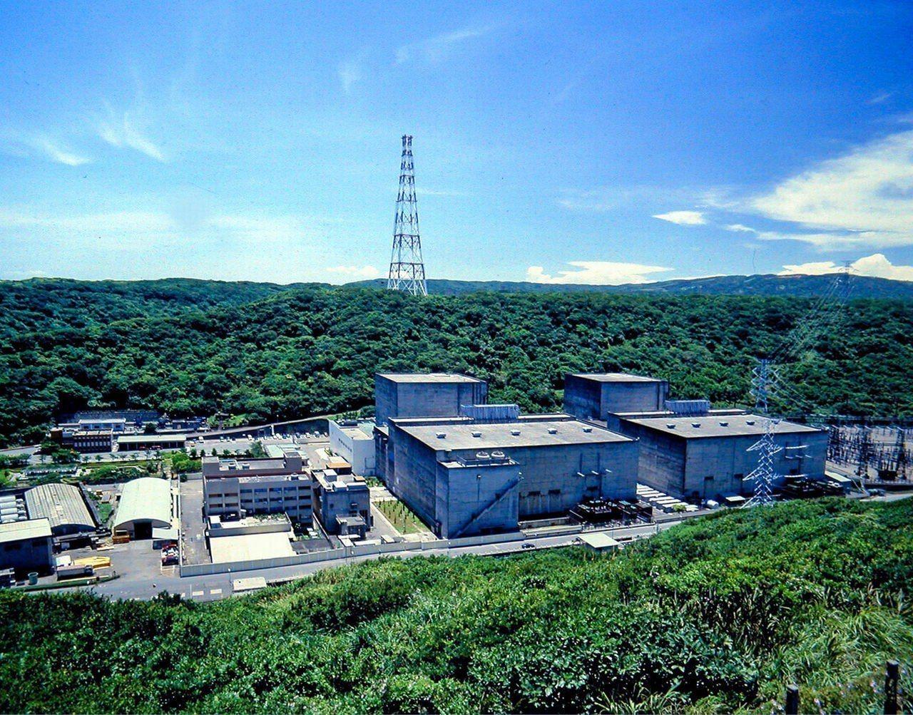 位於新北市石門區的台電核一廠1號機運轉執照於今(5)日到期,是台灣首座走入除役階...