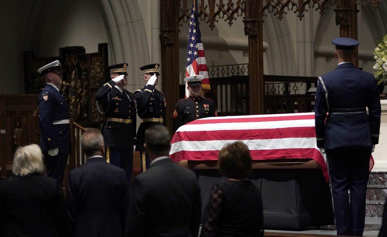 美國第41任總統喬治.布希(George H.W. Bush)於美東時間11月3...