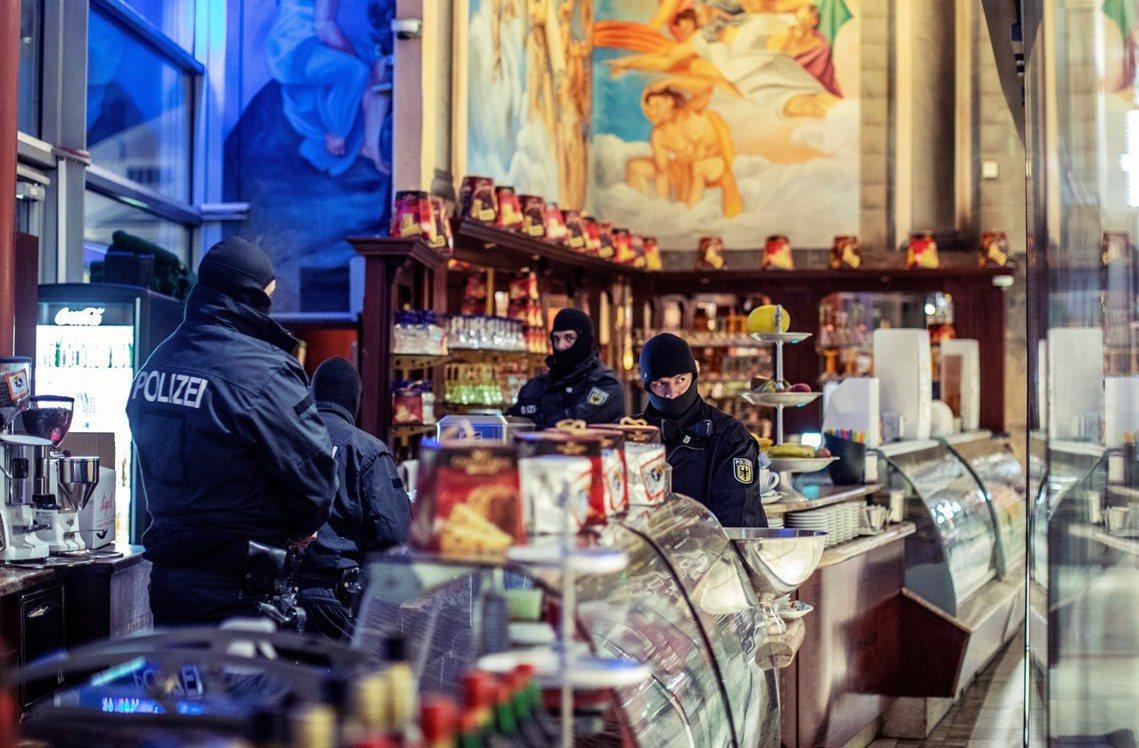 在耗時兩年的布局之後,歐洲檢察官組織12月5日終於針對義大利三大黑手黨組之一——...