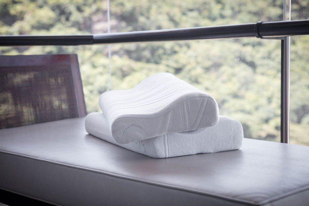 TENDAYS量身紓壓對枕,原價9,600元,特價6,888元。