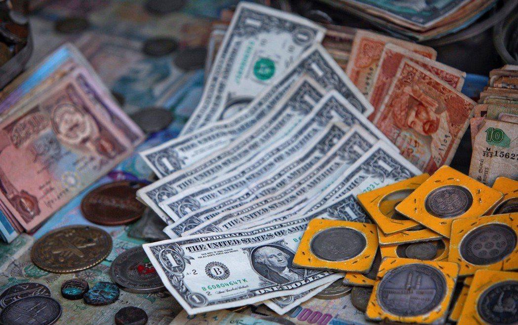 巴基斯坦包括外部借款、債券與利息等加總的外債,到今年六月已達950億美元。 圖/...