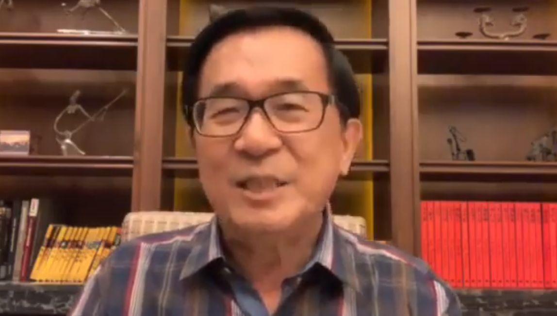 前總統陳水扁今天臉書打臉輕軌建設。圖/翻攝陳水扁臉書YonGe Chen
