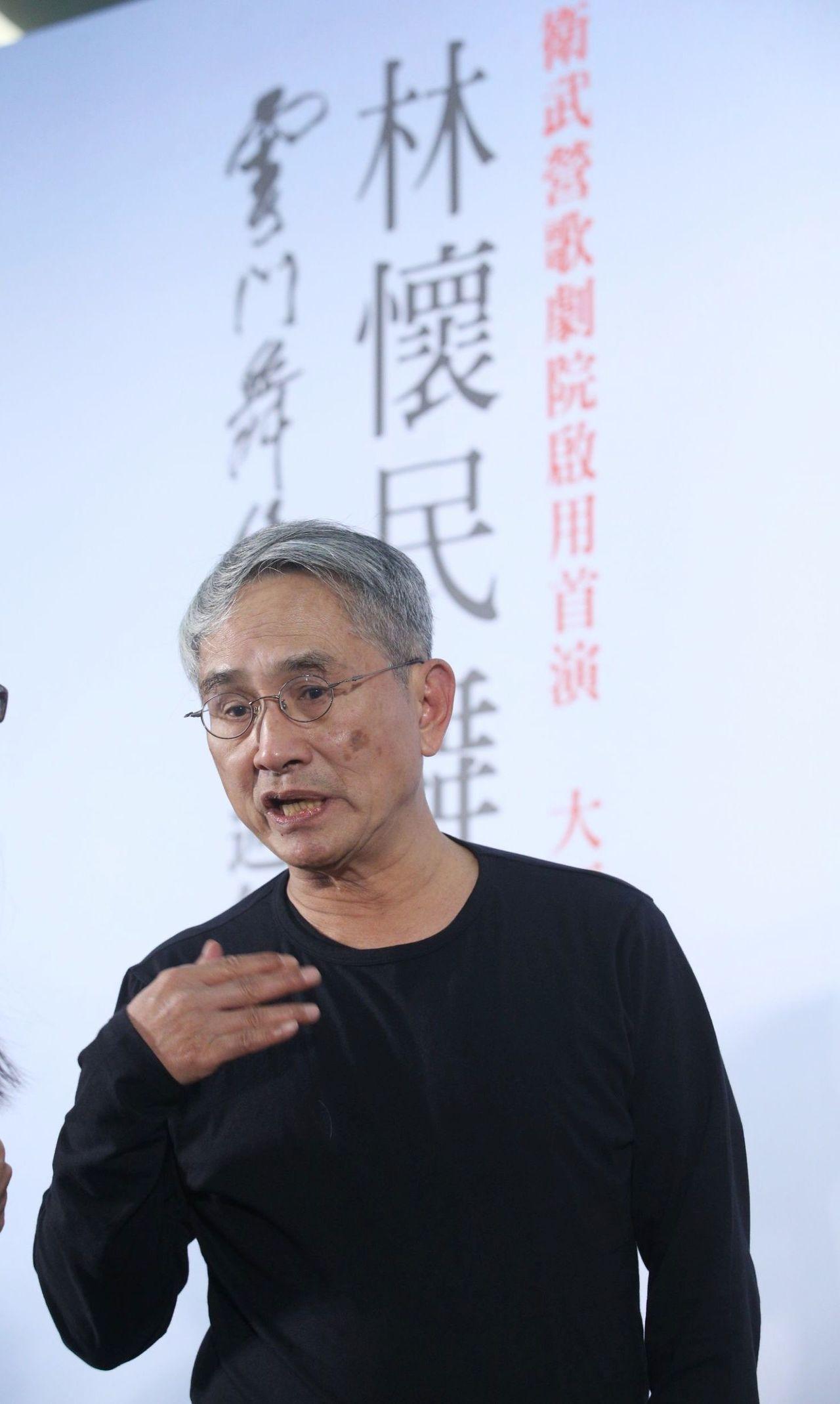 雲門舞集創辦人林懷民表示,文化藝術是超乎政治的,希望高雄品牌春天藝術節能持續下去...