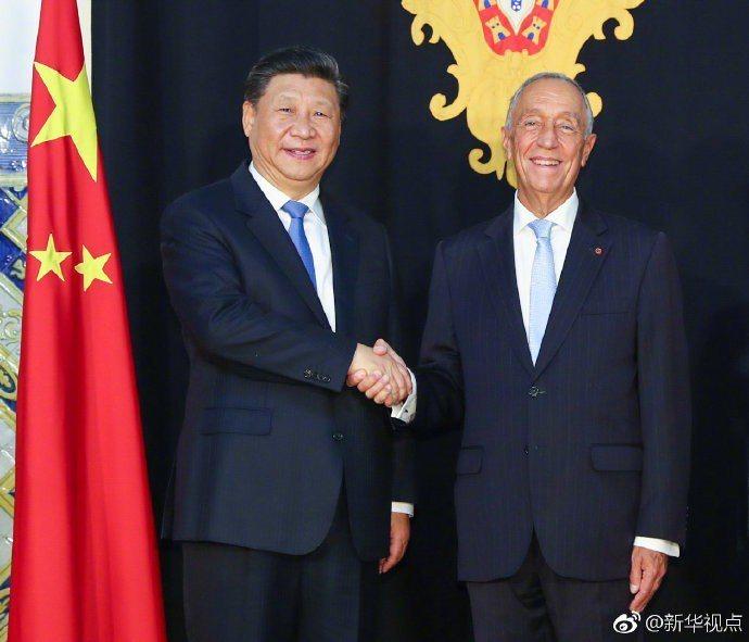 大陸國家主席習近平對葡萄牙國是訪問,與葡萄牙總統德索薩舉行會談。(新華社)