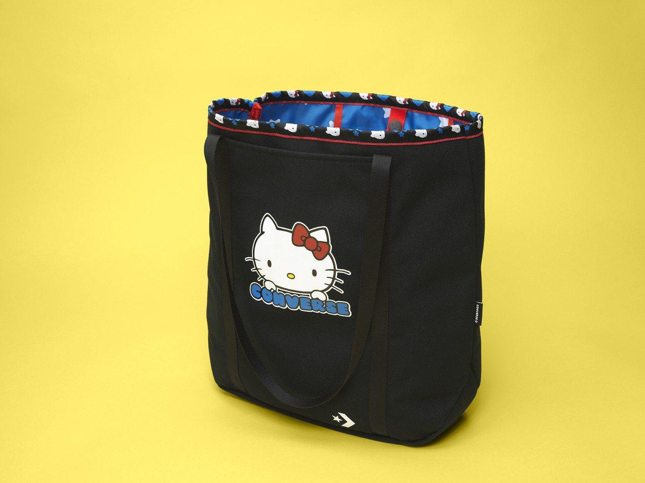 Converse與Hello Kitty聯名系列休閒提袋,1,580元。圖/Co...
