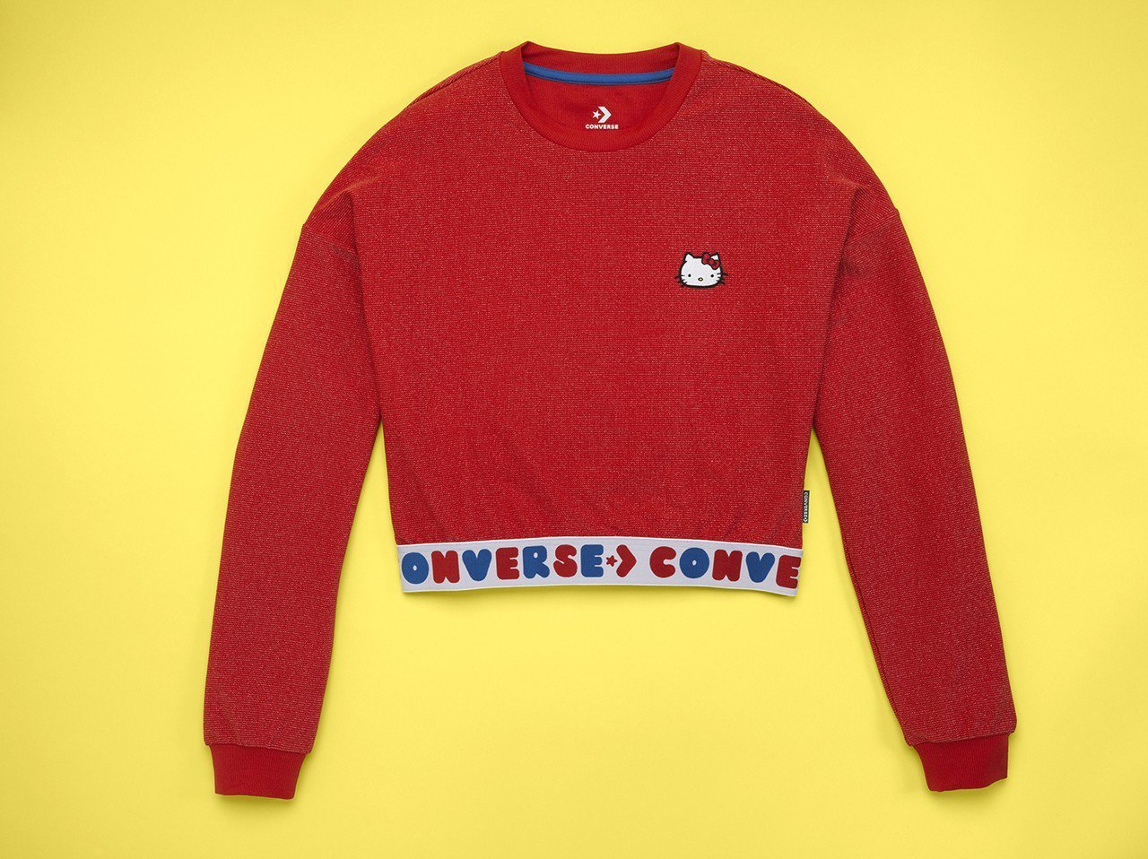 Converse與Hello Kitty聯名系列紅色短版上衣,1,480元。圖/...