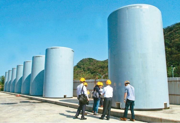 核一廠一號機除役卡關,經濟部長沈榮津今表示,乾眝設施的水保設施無法取得核發許可,...