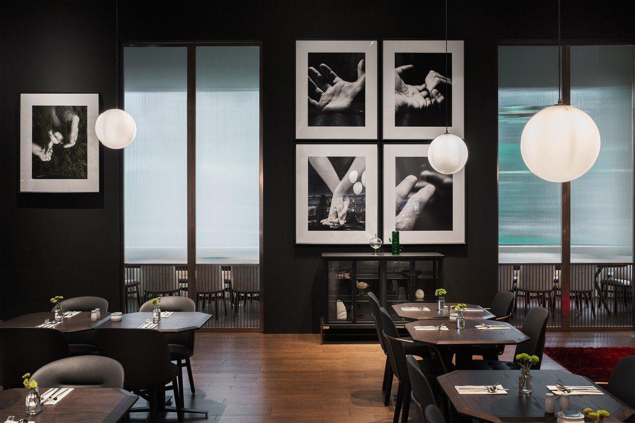 新竹英迪格酒店CHAR bar & bistro。