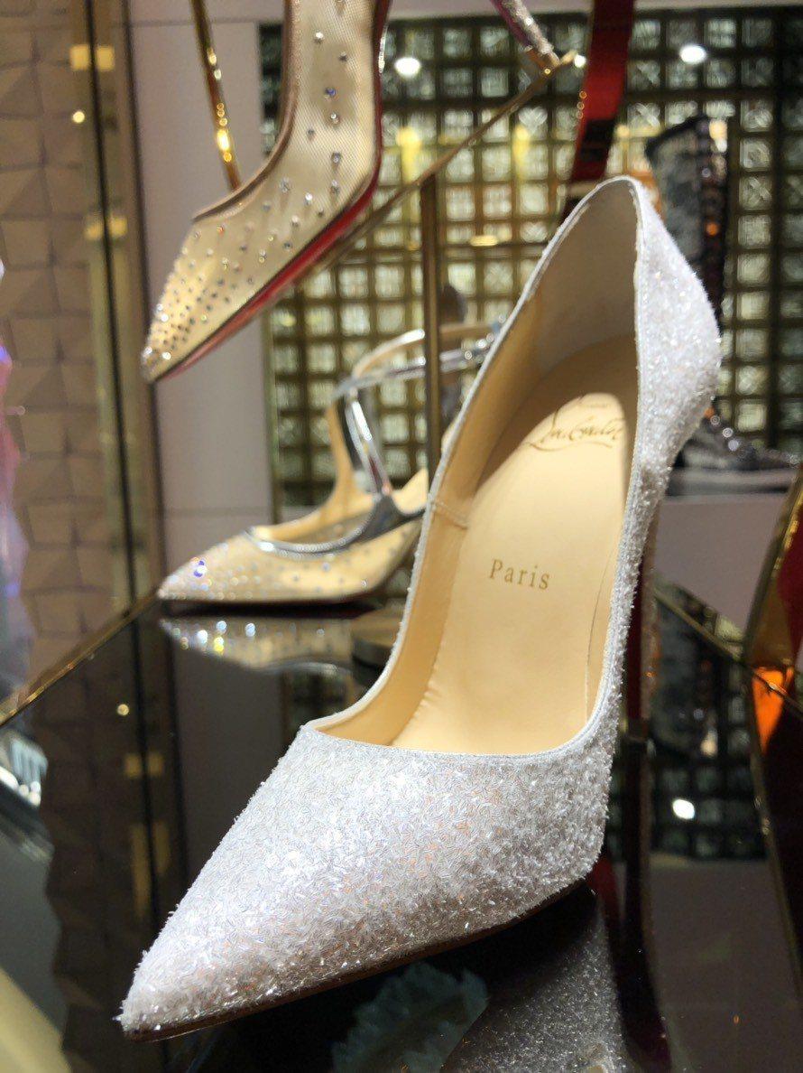 台灣限定款12cm白銀蔥派對系列高跟鞋,價格店洽。圖/Christian Lou...